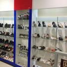 """Витрина для обувной косметики. Магазин обуви """"Fogert"""" ОМ Параход"""