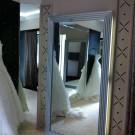"""Зеркала в раме, резные экраны радиаторов, зеркальные порталы. Свадебный салон """"Marry Me"""""""